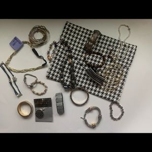 Bangles, bracelets, rings and clutch lot